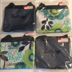 Thirty-One Oh Snap Pockets Navy fabulous floral 4